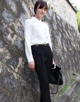 韩国女生示范大学生面试着装搭配法 竖