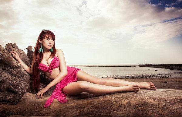 还有很多女生不愿在海滩上穿比基尼是因为对
