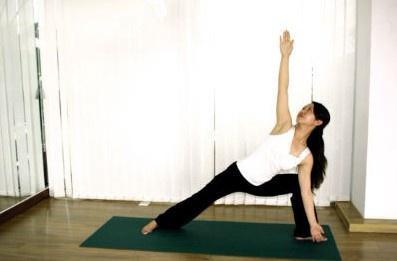 瑜伽v瑜伽瘦腿动作轻松简易夏沫瘦身图片